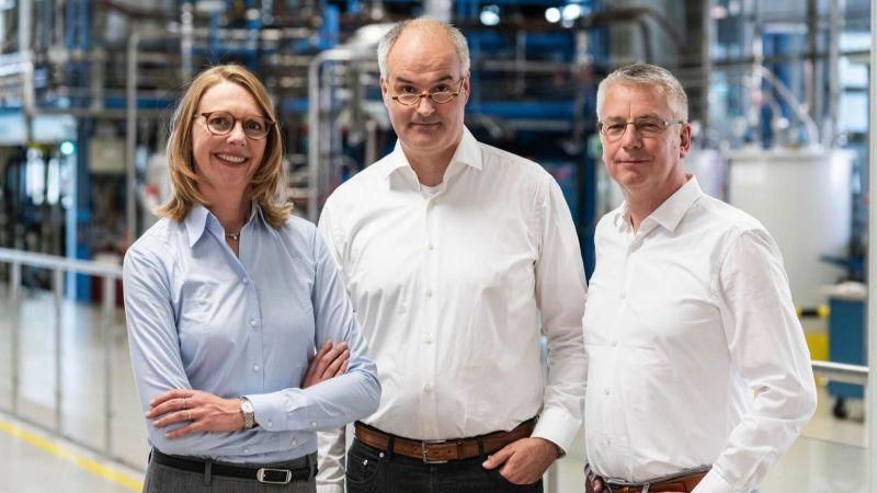 Das Bild zeigt die Nominierten des Deutschen Zukunftspreises Berit Stange, Christoph Gürtler und Walter Leitner.