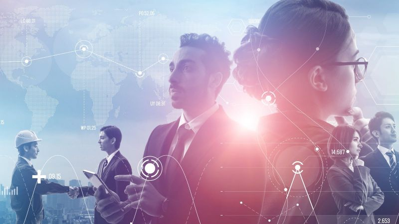 Das Bild ist eine Fotomontage. Es zeigt statistische Analysen für Menschen, die zusammen beraten, sich die Hand reichen und nachdenken.