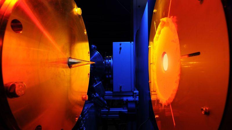 Das Bild zeigt den Strömungsreaktor des Deutschen Zentrums für Luft- und Raumfahrt.